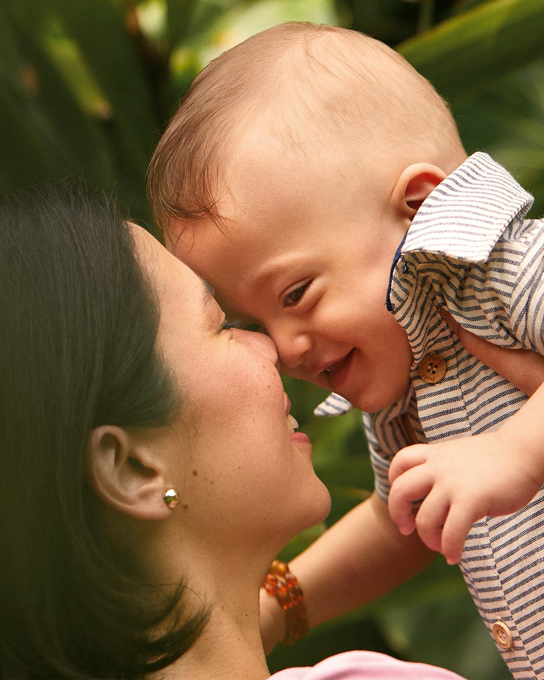 The importance of touching and picking baby up for childhood development