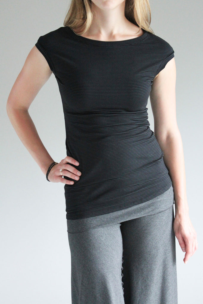 suger® cap tunic in bamboo organic cotton subtle stripe with charcoal swirlsuit