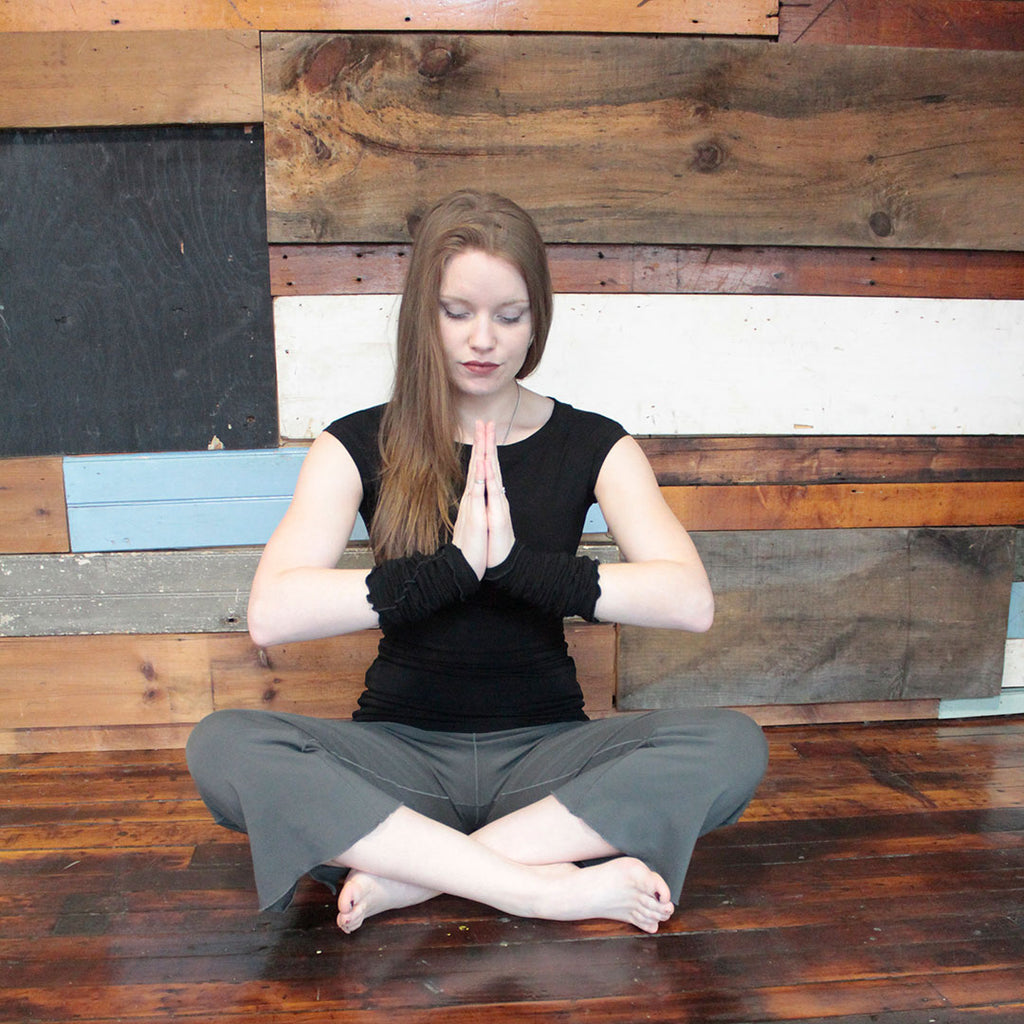 namaste in cozy bamboo black suger® cap tunic + angelrox® opera sleeves