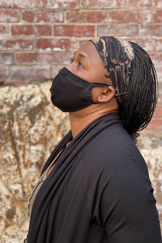 angelrox® band in black hand dye with black hush mask