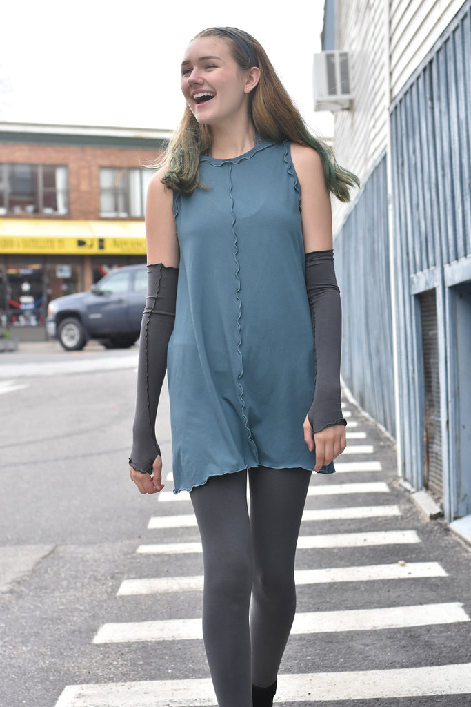 angelrox shift tank in ocean + opera sleeves in iron + base in iron