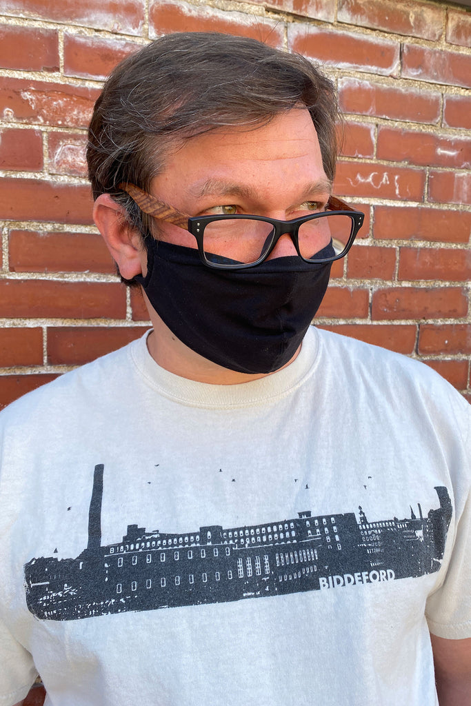 whisper mask in tissue black
