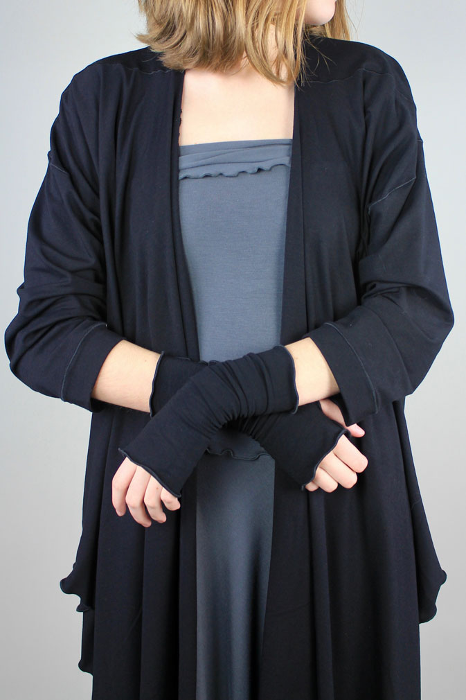aria sleeves in black