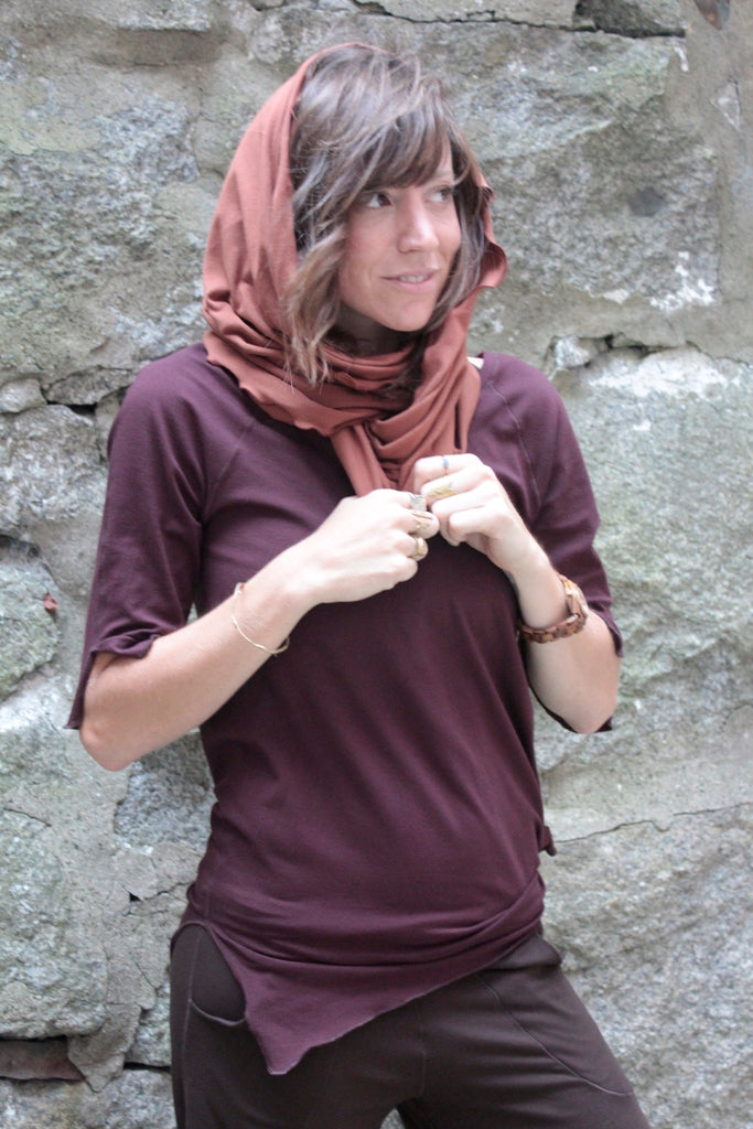wine suger® diamond t with honey loop worn as hood