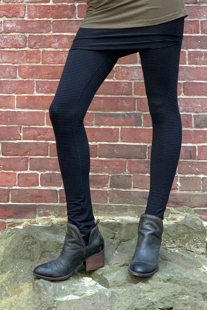 subtle black climber convertible legging made with angelrox® bamboo