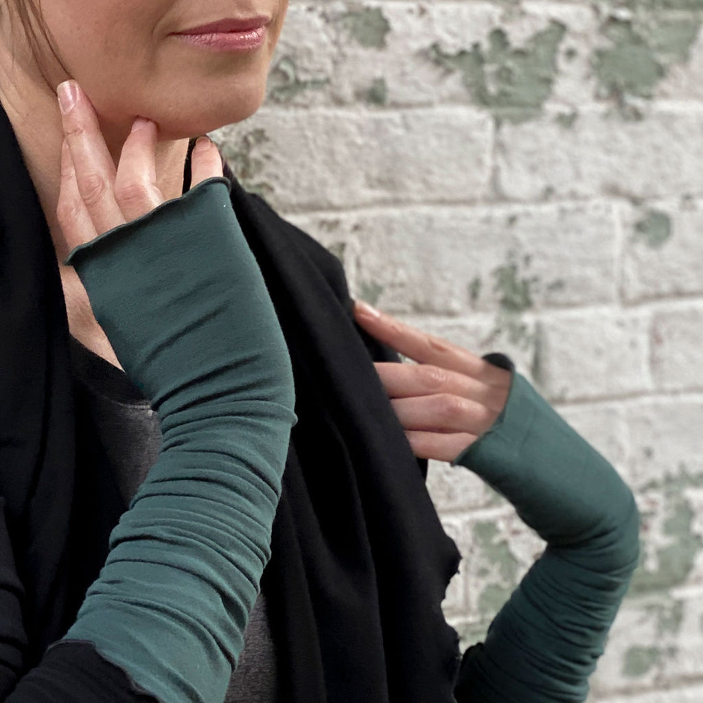angelrox® opera sleeves in spruce with black cozy cardi