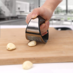 (50%OFF!)ERGONOMIC STAINLESS STEEL GARLIC PRESS - IT'S UH-MAZING!