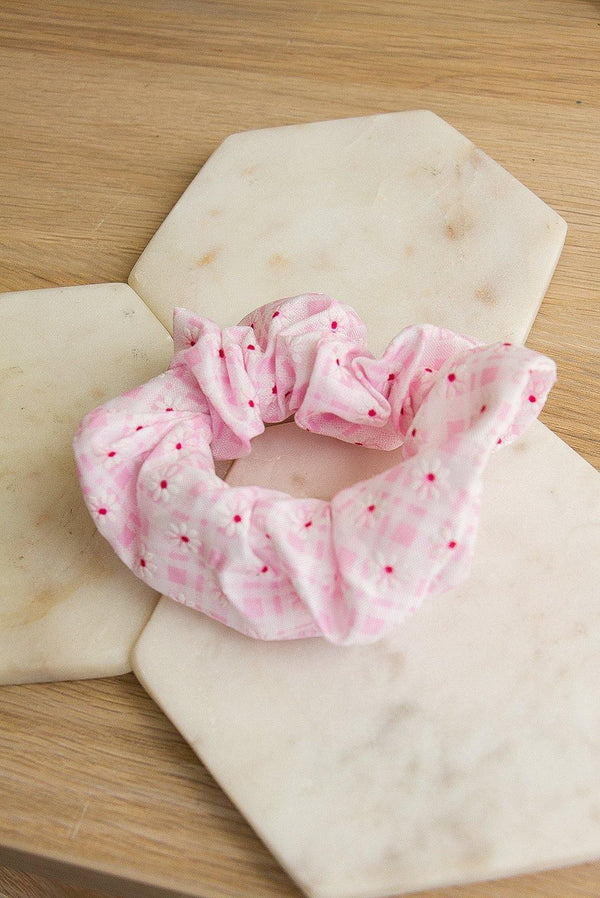 Harlow Scrunchie – Light Pink