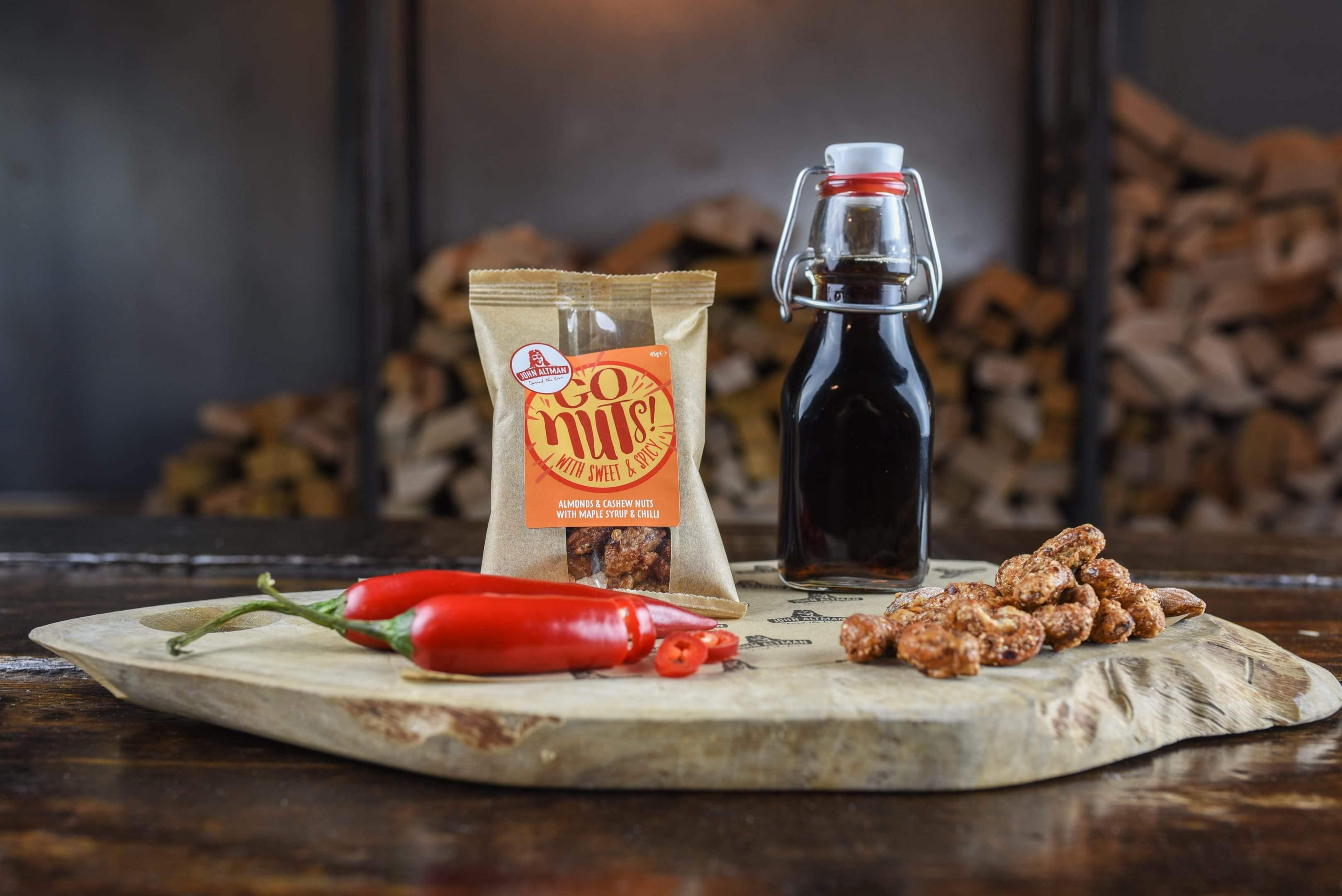 John Altman Maple Syrup & Chilli nootjes in horeca