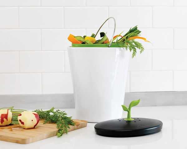 Countertop Compost Bin Collector | 10 Sustainable Products You Need In Your Home!