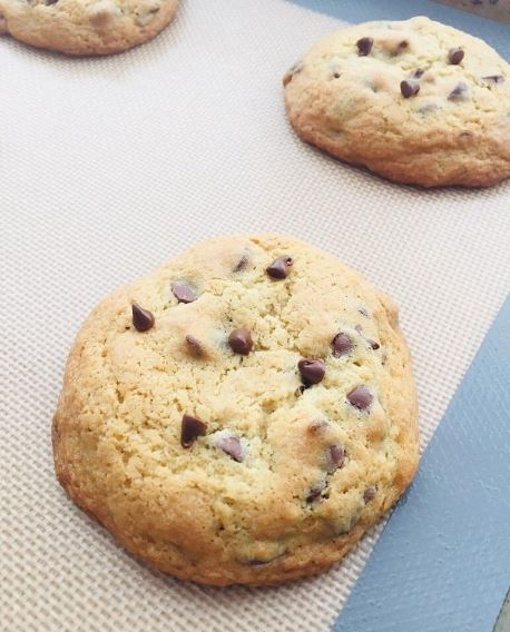 Reusuable Silicone Baking Mat | 10 Sustainable Products You Need In Your Home!
