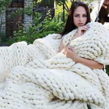 Load image into Gallery viewer, Knitted Blanket Chunky Knitted Blanket