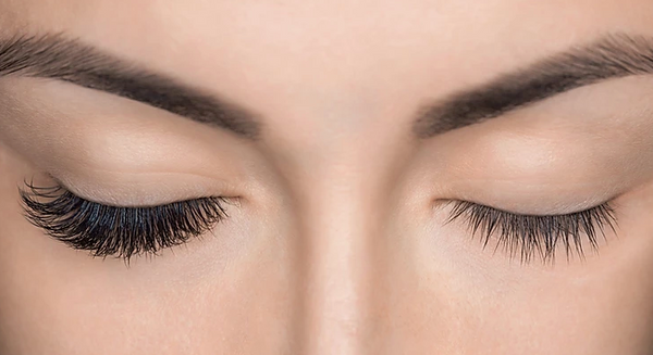 The Right Way To Remove Your Eyelash Extensions