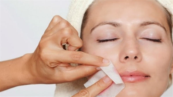 Which is Better? Facial Waxing vs Threading?