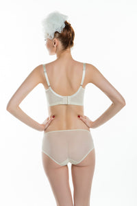 Deep V smoothes back functional bra
