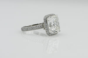Cushion 10.04 Carats | Platinum Band Engagement Ring