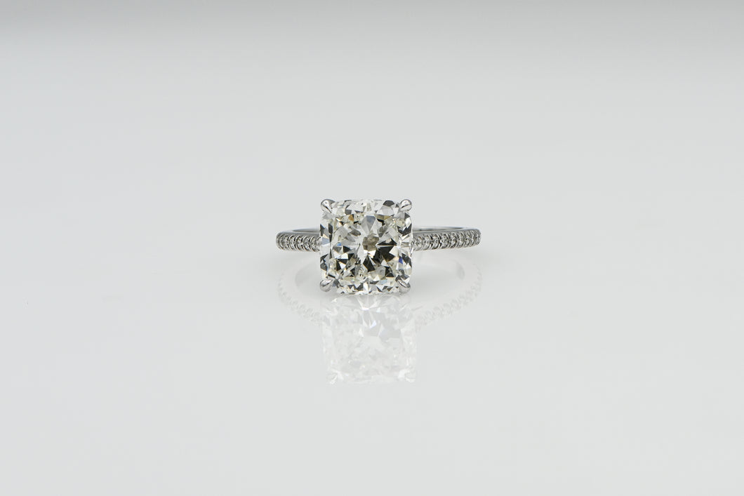 Cushion 3.02 | Platinum Band Engagement Ring