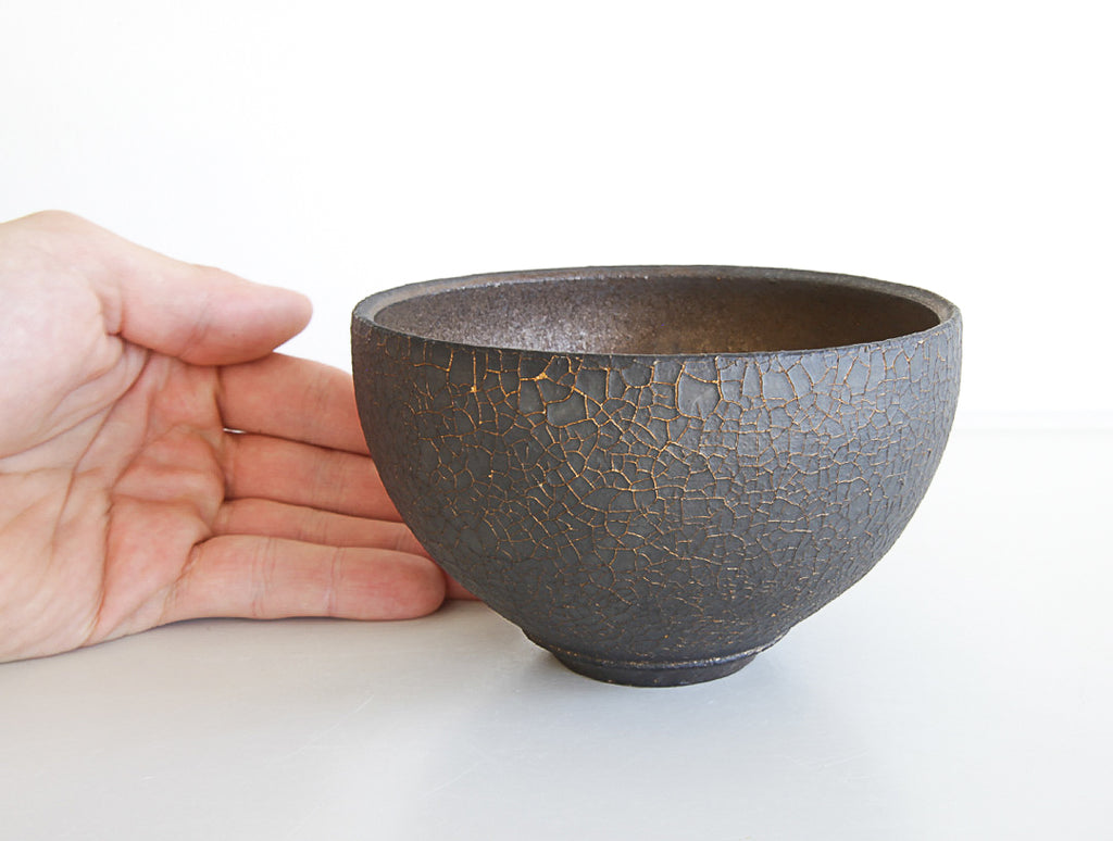Hibi Kuro Bowl by Shinobu Hashimoto at OEN Shop