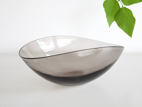 Black Lotus Bowl by Studio Prepa