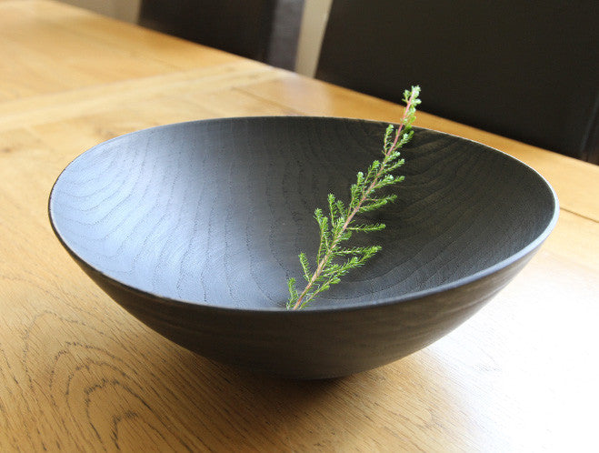 Rubbed Lacquer Bowl by Mutsumi Goto at OEN Shop
