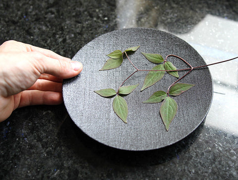 Nuno Lacquer Plate by Fujii Works