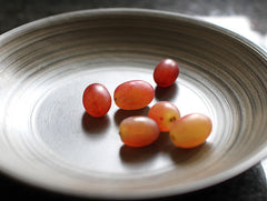 White Lacquer Chestnut Dish by Hiroyuki Sugawara at OEN Shop