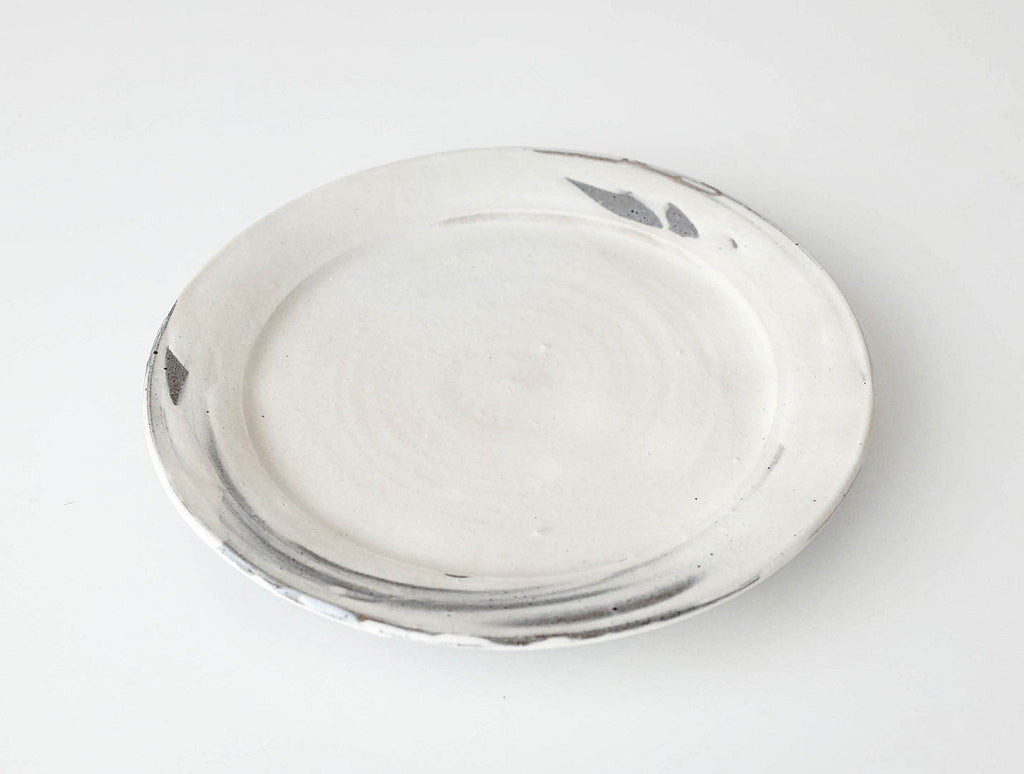 White Hakeme Dish by Manabu Nishibayashi at OEN Shop