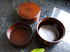 Lacquer Lunch Box by Maiko Okuno at OEN Shop