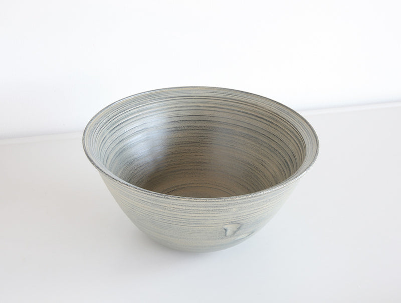 White Lacquer Lipped Bowl