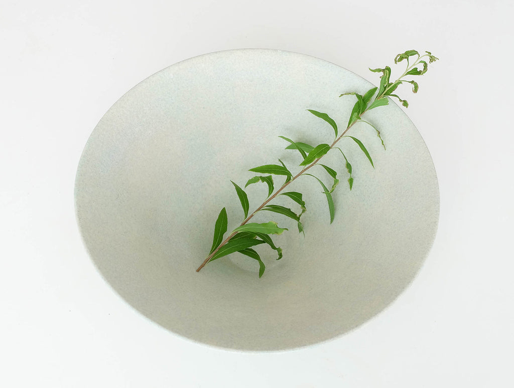 Green Wide Kiji Bowl by Makoto Saito at OEN Shop