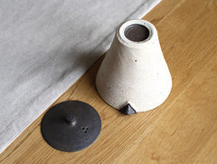 Hibi Kesho Pot by Shinobu Hashimoto at OEN Shop