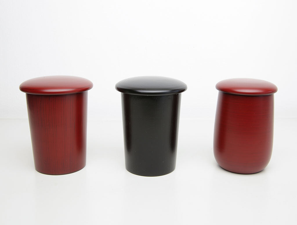 Red Lacquer Curved Pot by Tomoaki Nakano at OEN Shop