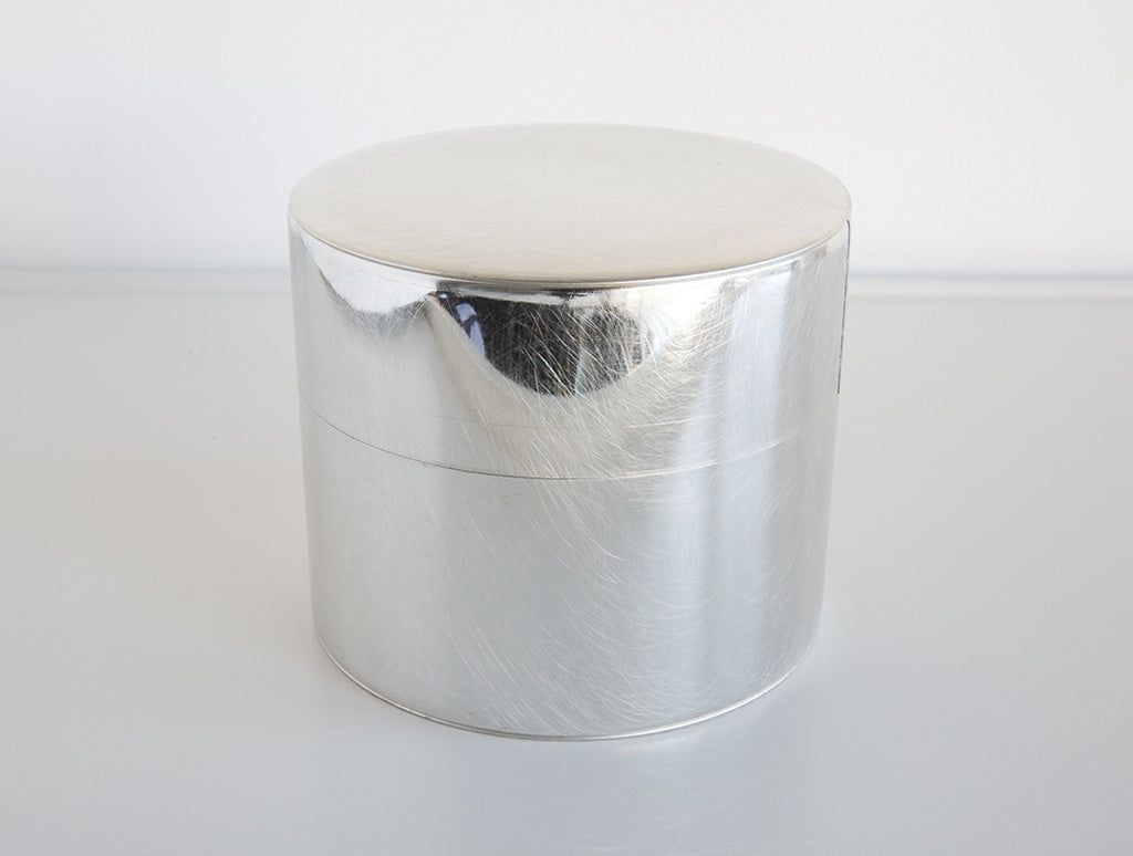 Large Round Tin Can by SyuRo at OEN Shop