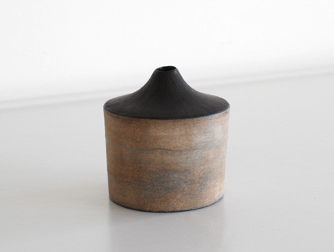 Orange Black Dry Lacquer Vase by Mie Yokouchi at OEN Shop