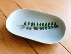 ReIRABO Spring Green Oval Plate by Yumiko iihoshi at OEN Shop