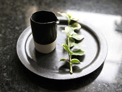 Black Cake Plate by Naotsugu Yoshida at OEN Shop
