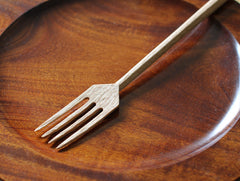 Rustic Fork in Oak by Hiroyuki Sugawara at OEN Shop