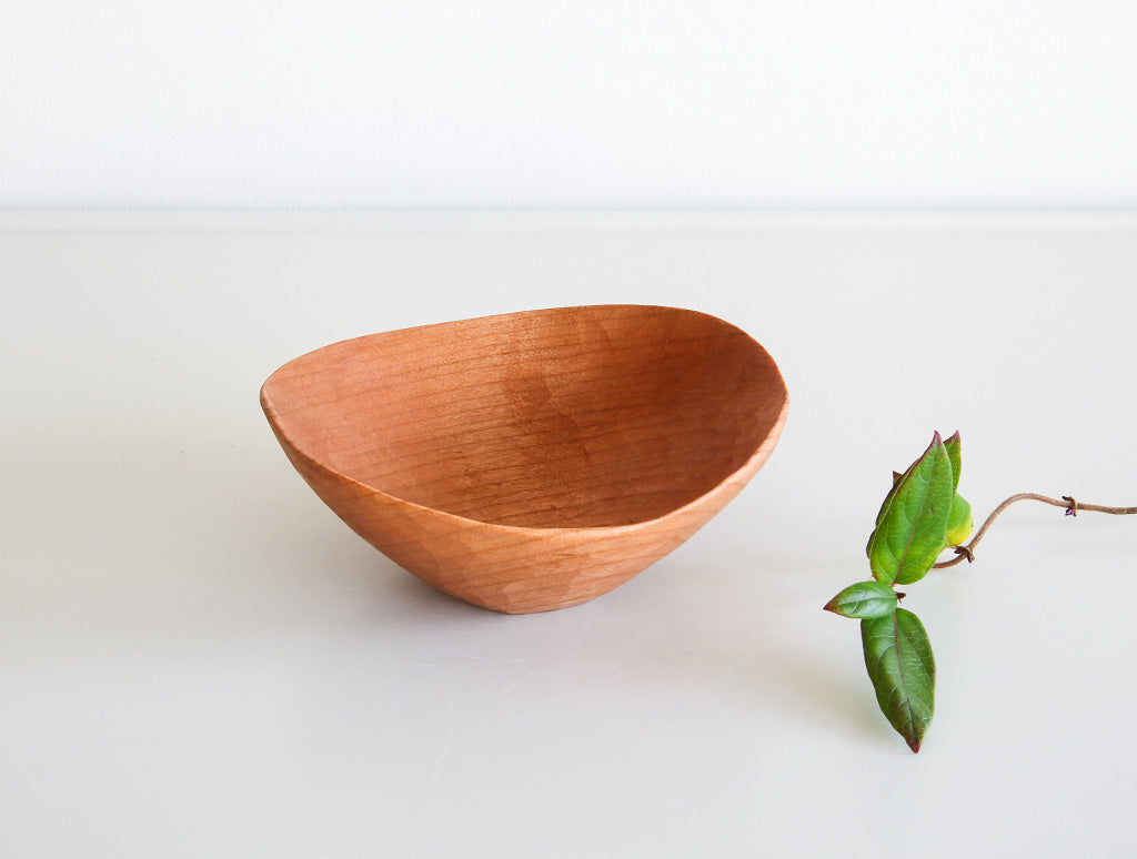 Small Peaked Cherry Bowl by Toru Sugimura at OEN Shop