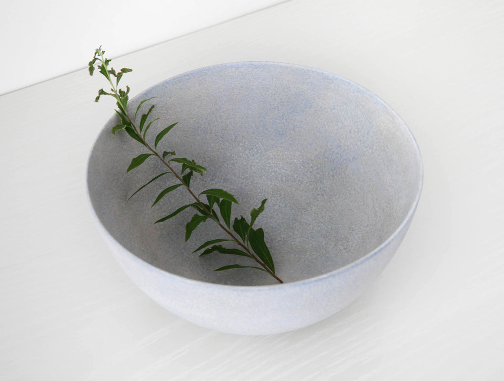 Blue Kiji Round Bowl by Makoto Saito at OEN Shop