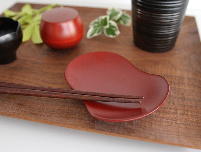 Small Bean Plate by Maiko Okuno at OEN Shop