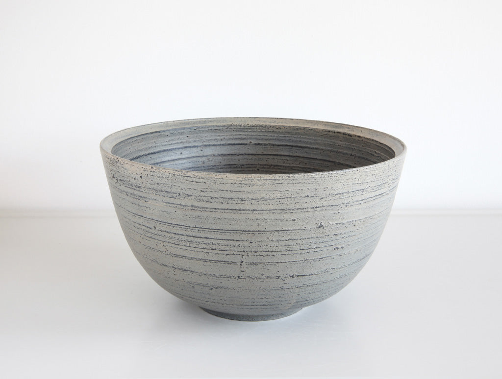 White Lacquer Open Bowl by Hiroyuki Sugawara at OEN Shop