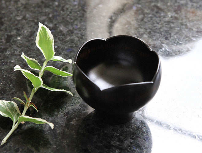 Black Sake Cup by Maiko Okuno at OEN Shop
