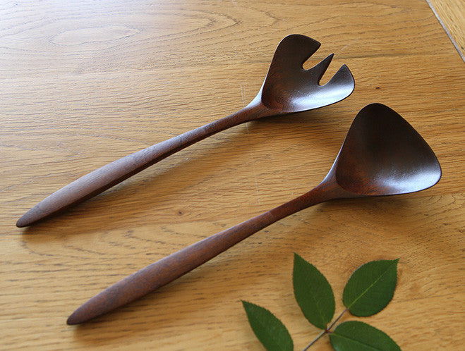 Walnut Serving Spoon & Fork Set by Atelier tree song at OEN Shop