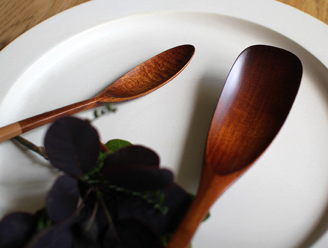Lacquer Serving Spoon by Atelier tree song at OEN Shop