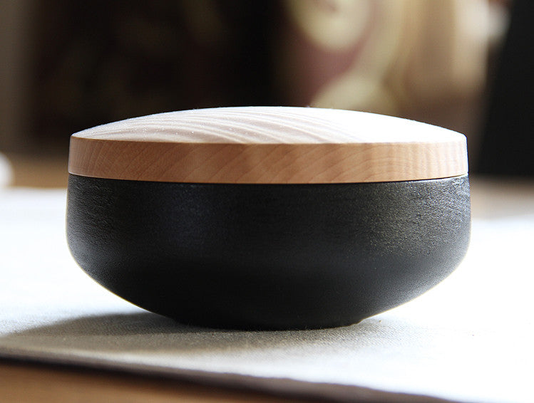 Small Chestnut Lidded Box by Fujii Works at OEN Shop