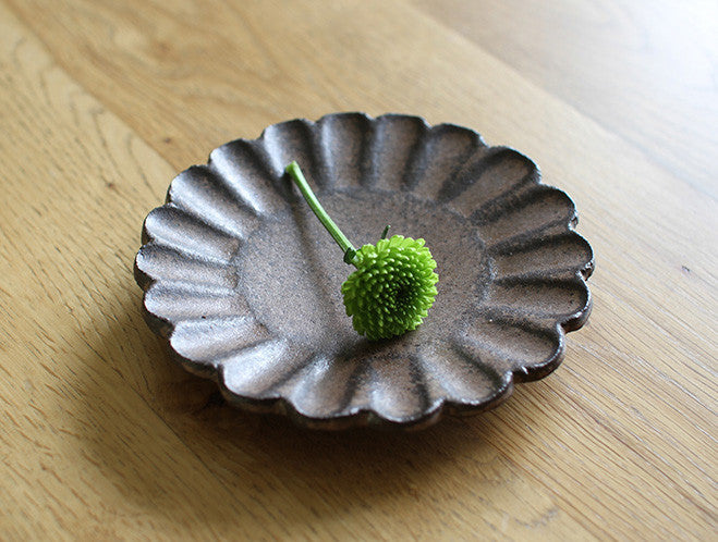 Bronze Flower Plate by Motoharu Ozawa at OEN Shop