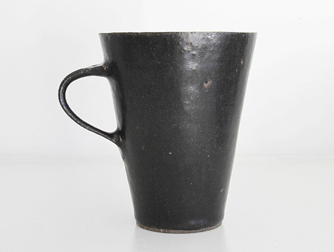 Black Mug Cup by Naotsugu Yoshida at OEN Shop