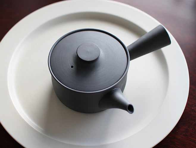 Black Teapot L by Yumiko iihoshi at OEN Shop