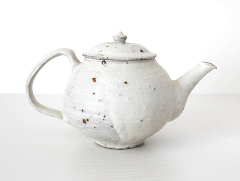 Spotted White Teapot by Shinko Nakanishi