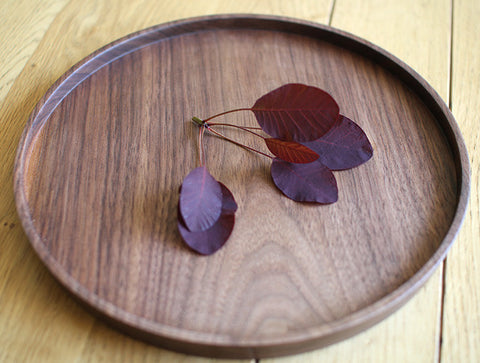 Round Walnut Tray by Masahiro Endo